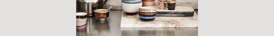 Mise en avant matière Set de 4 tasses à cappuccino en céramique 70's