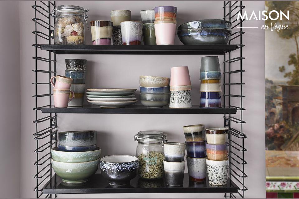 Confectionnés en céramique, ces 6 mugs s\'inspirent de la décoration des années 70
