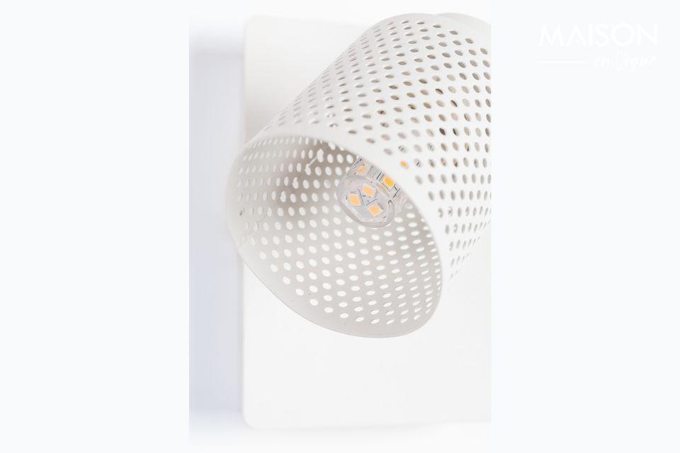 Un spot tout blanc, tout tendance à fixer sur un mur ou au plafond.