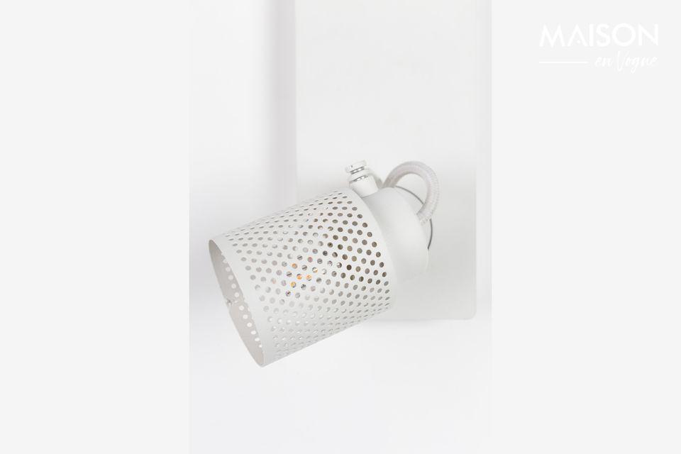 Ce spot Light Sandy-2 Blanc de White Label Living présente un design épuré pouvant s\'intégrer