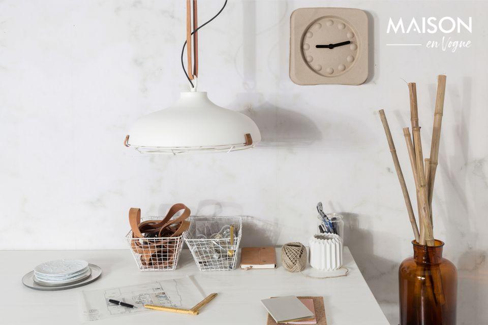 Ce modèle épuré aux lignes scandinaves est parfait dans une cuisine