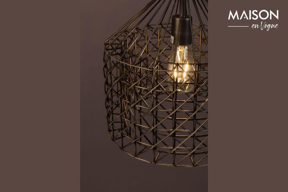 Cette lampe combine un style vintage de par sa teinte et un design d\'une grande originalité