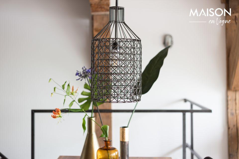 La suspension lumineuseJim Tall vous propose les meilleurs atouts d\'une lampe cage