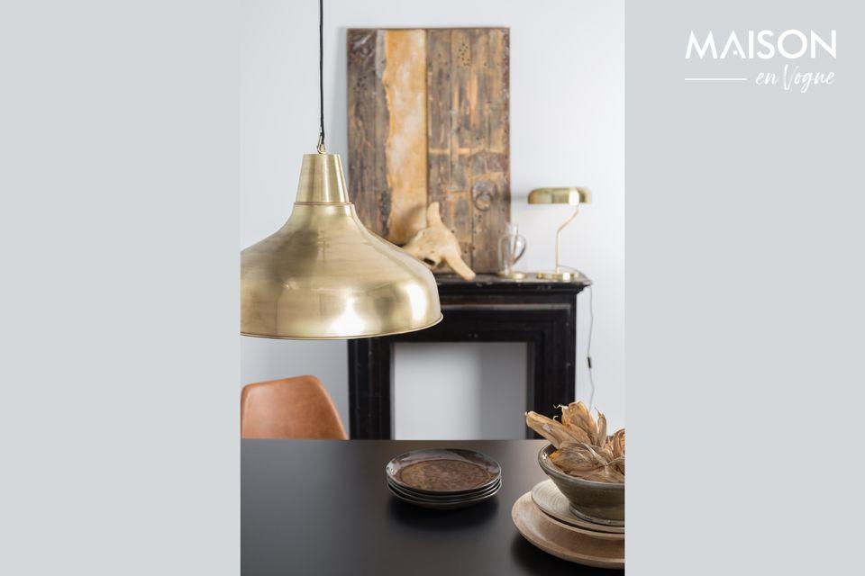 La suspension lumineuse Brass Mania de Dutchbone vous propose d\'allier le style et la simplicité