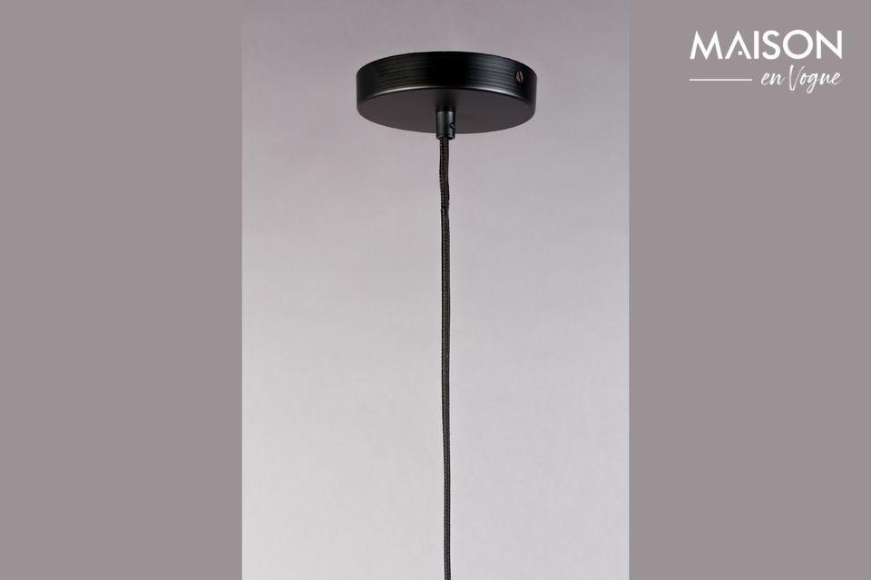 Un joli lustre à suspendre pour un design épuré et aux formes agréables.