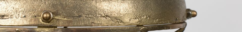Mise en avant matière Suspension Wout finition laiton