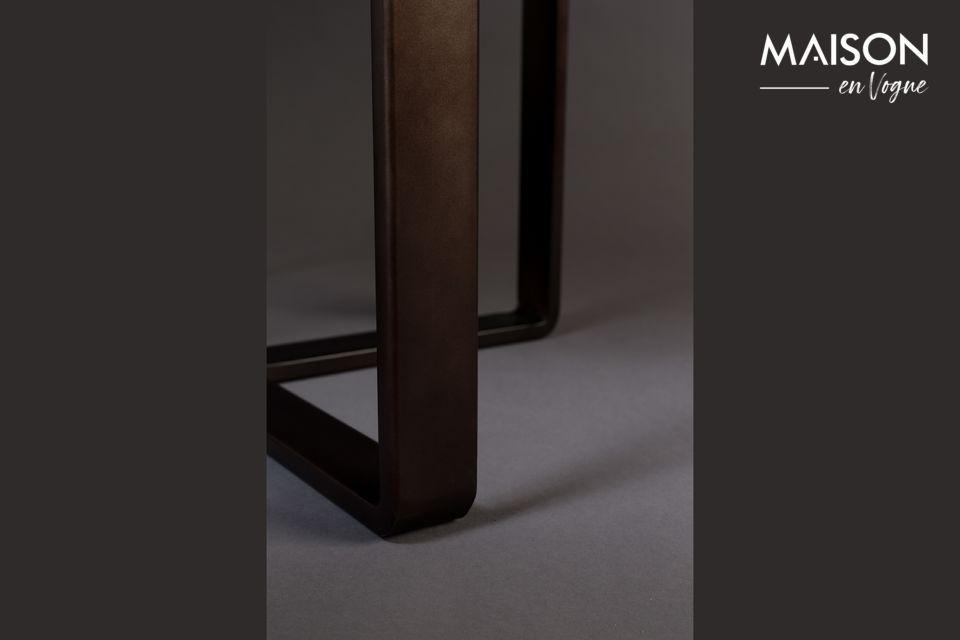 Cette esthétique table en métal est constituée d\'un plateau rond à rebord de 51 cm de diamètre