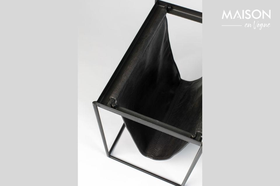 Moderne par sa forme en 3 dimensions dont on ne voit que la structure