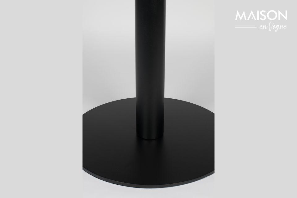 Conçue avec un pied unique très stable et une structure tout en acier