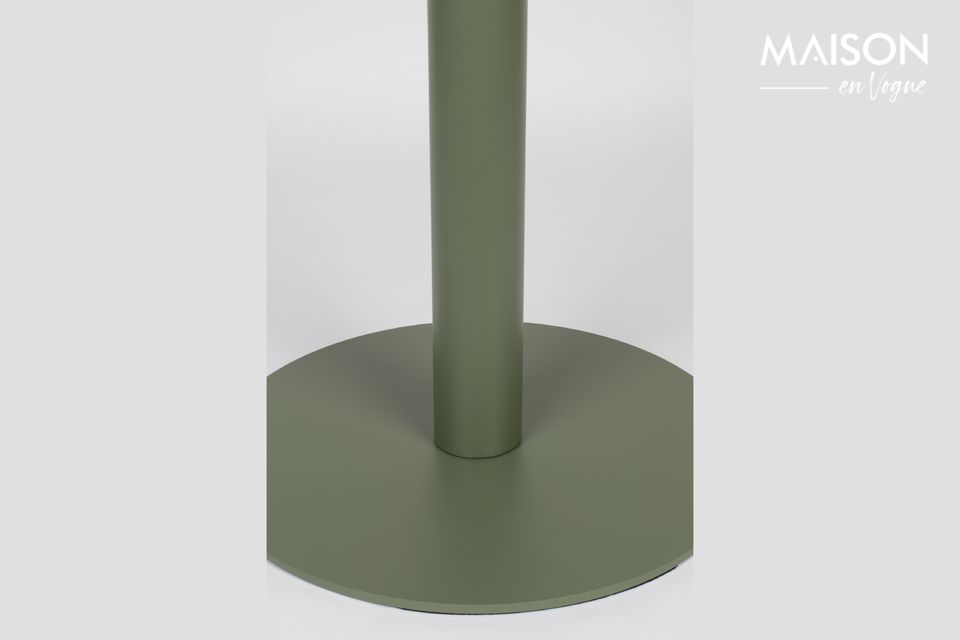 En métal peint dans une douce nuance de vert