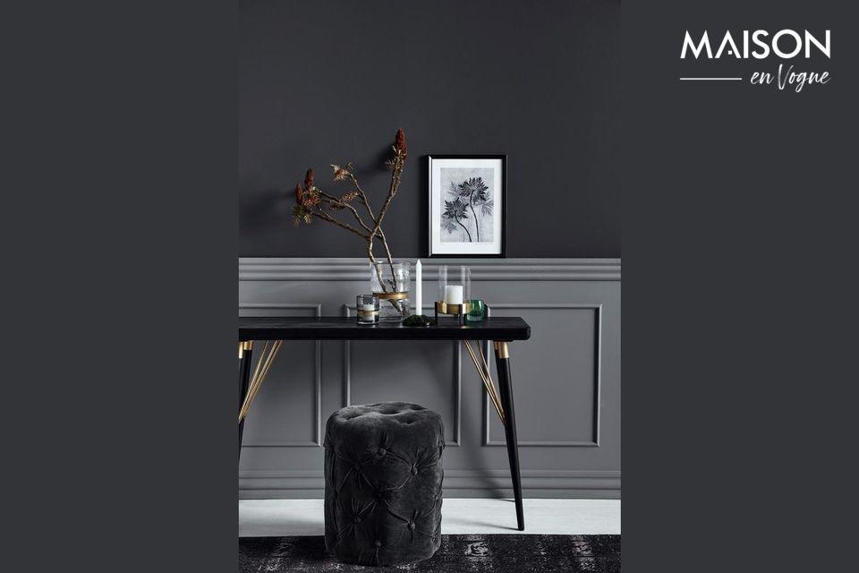 Une table très élégante, qui sait aussi être pratique