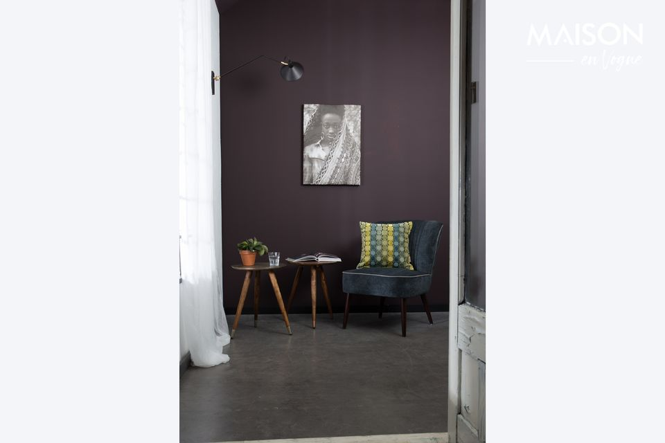 La table d\'appoint Bast cuivre a été créée en bois de sheesham massif avec de la tôle d\'acier