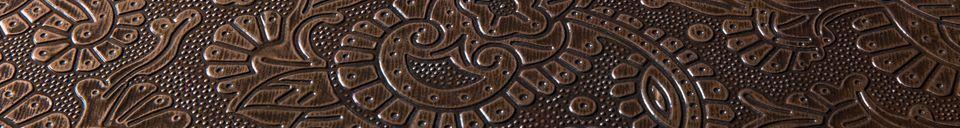 Mise en avant matière Table d'appoint Bast finition cuivre