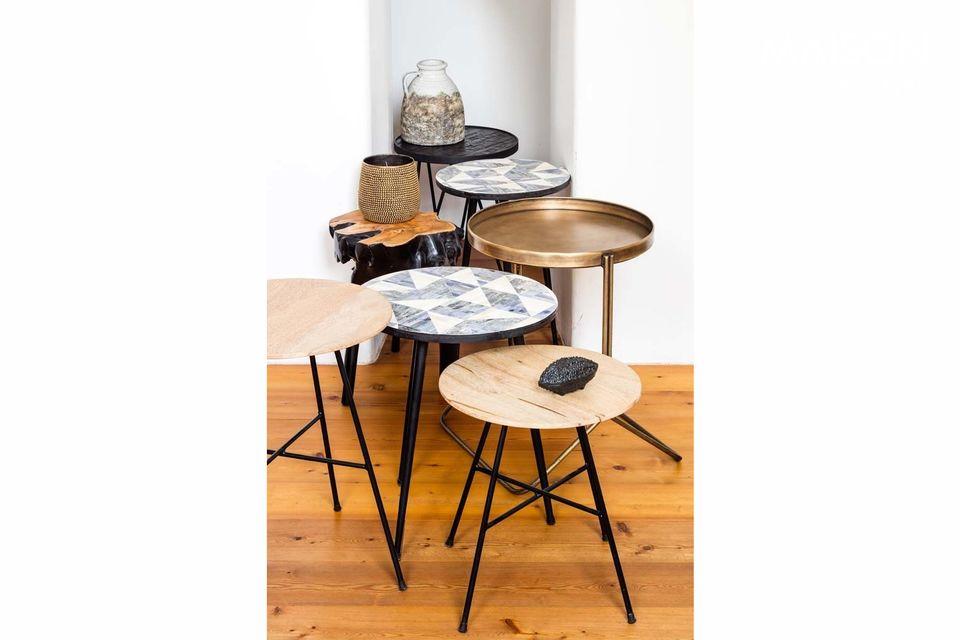 Jolie petite table ronde