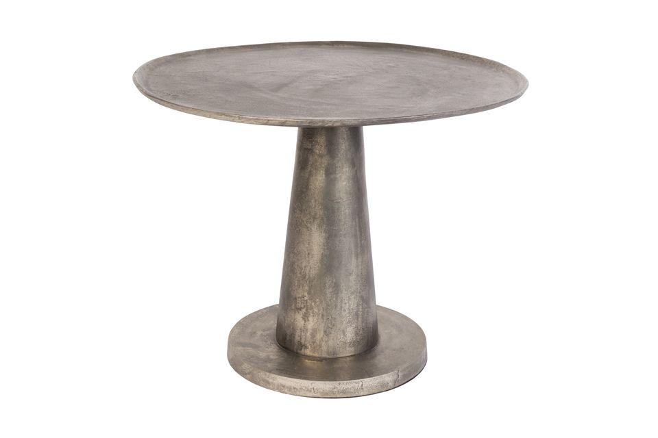 Installez la table d\'appoint Brute dans le salon ou sur la véranda pour partager un moment