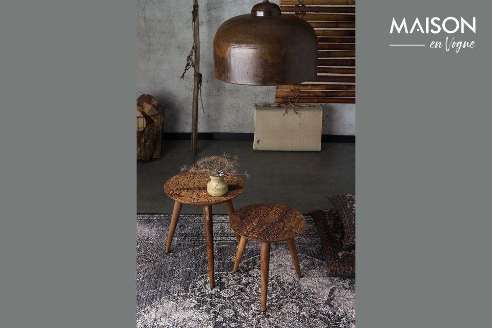 Cette table d\'appoint rend hommage au savoir-faire des artisans indiens de Dhundar