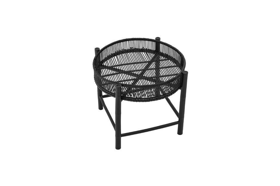 Cette table d\'appoint en bambou affiche un style moderne grâce à son coloris noir et à son