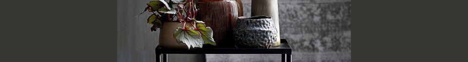 Mise en avant matière Table d'appoint Cordon en métal noir avec grille