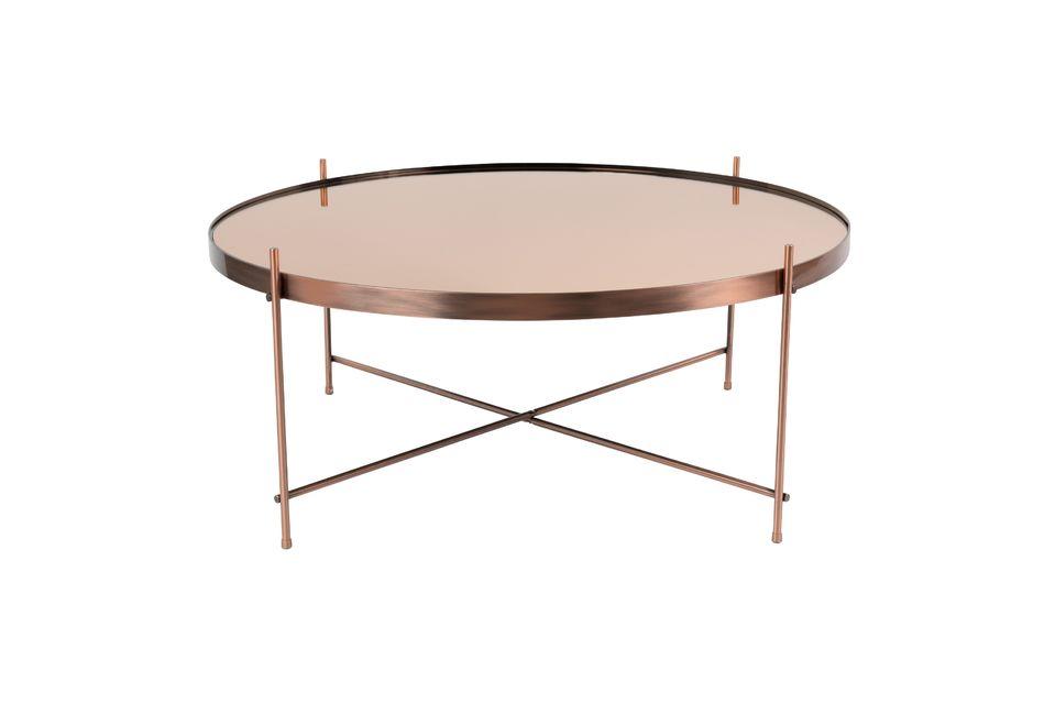 Son plateau de 82,50 cm est idéal pour y placer des objets décoratifs ou autres