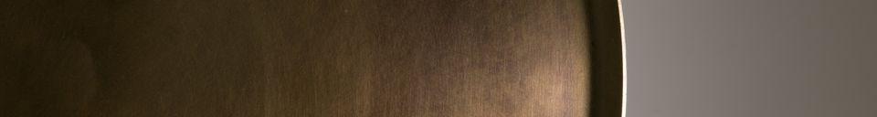 Mise en avant matière Table d'appoint Eliot finition laiton ancien