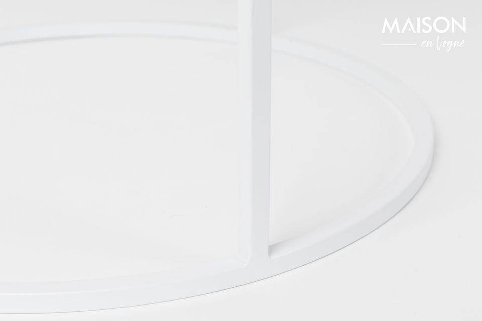 Son plateau carrelé apporte une pointe d\'imperfection contrastant avec le contour et la base