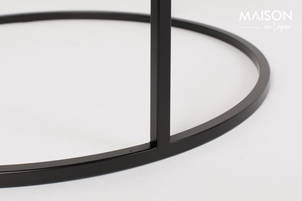 Une table d'appoint au style vintage minimaliste