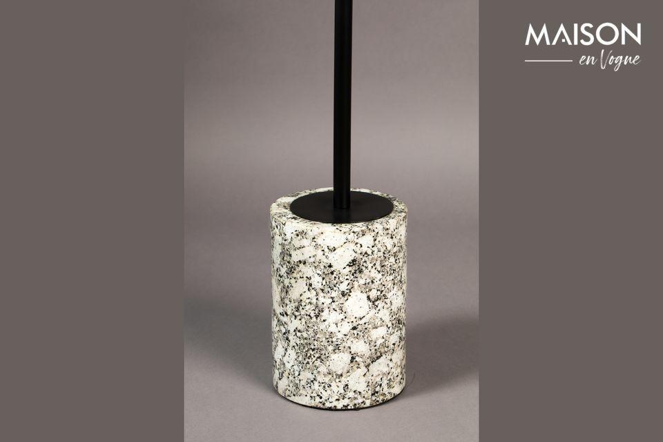 Elle possède un plateau en marbre blanc d\'un diamètre de 31,50 cm