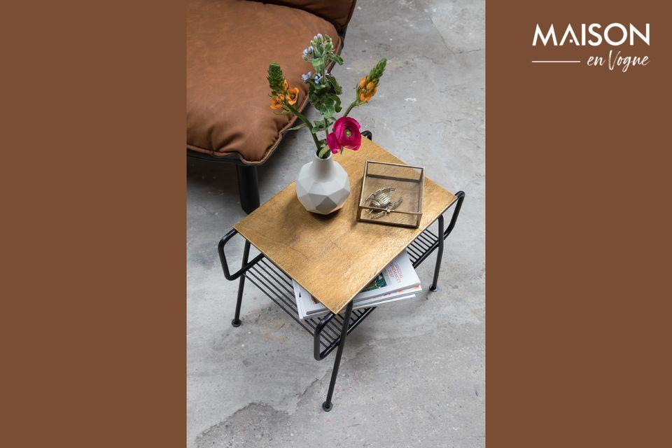 Une table d'appoint design et fonctionnelle