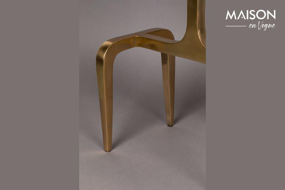 La table d\'appoint Hips a été fabriquée en aluminium laqué recouvert d\'une incroyable teinte