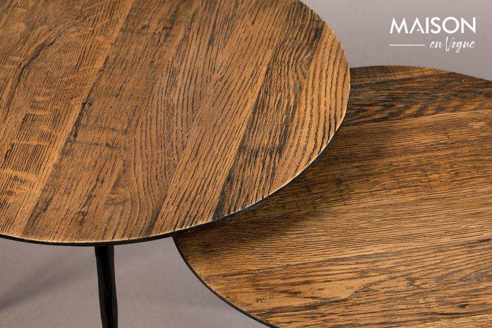 Résistant, ce bois lui confère un effet patiné et chaleureux, à l\'image des meubles anciens