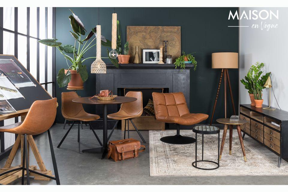 Cette table s\'accorde avec une décoration intérieure moderne et épurée