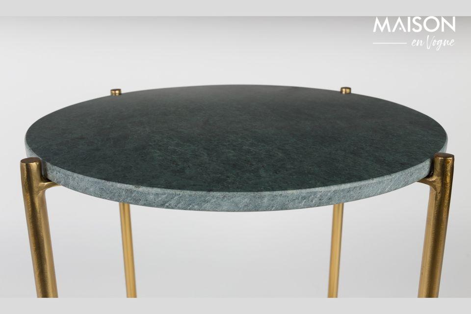 La noblesse et l'élégance d'une petite table en marbre