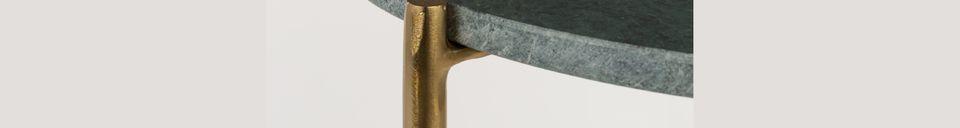 Mise en avant matière Table d'appoint Timpa en marbre vert