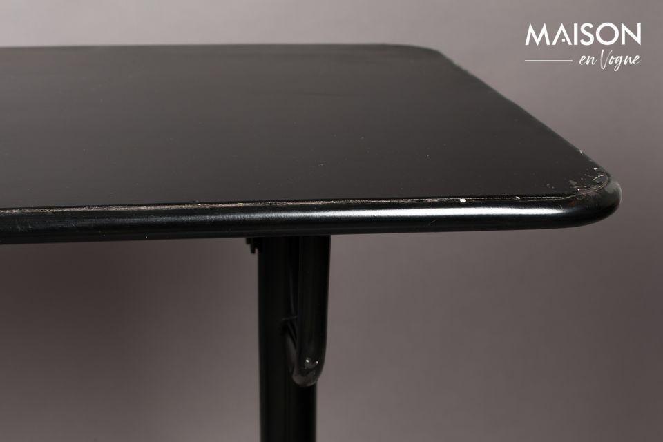 Cette jolie table (plateau de 140 sur 50 cm et d\'une hauteur de 104 cm) est entièrement