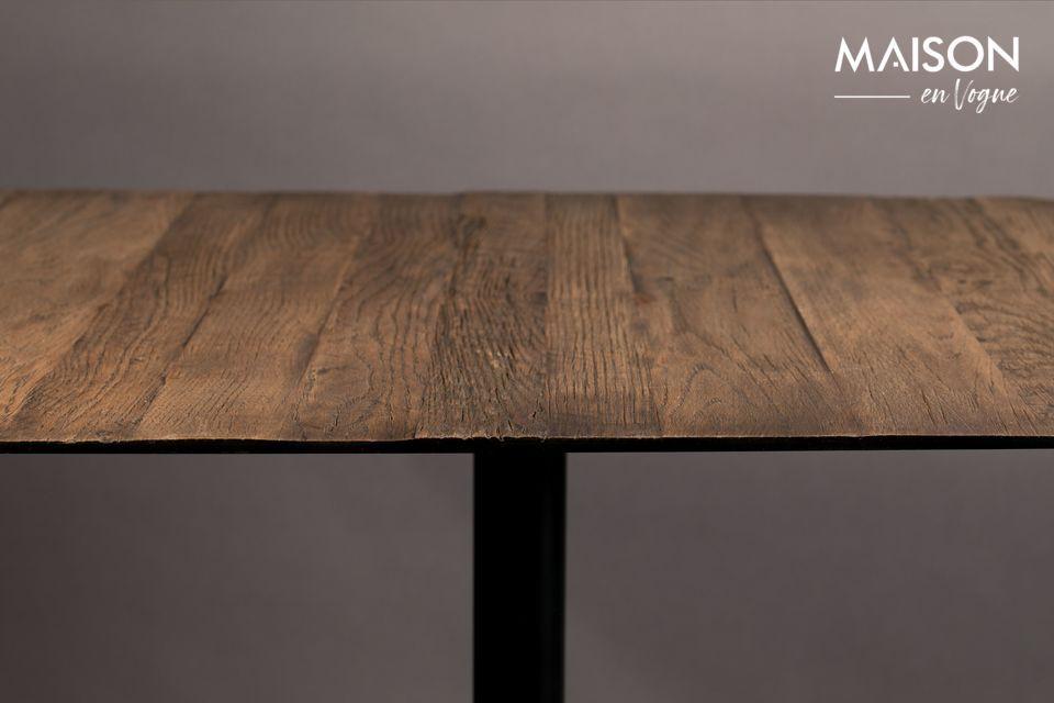 Vous pourrez apprécier son plateau carré en acier laqué recouvert d\'une fine plaque de chêne
