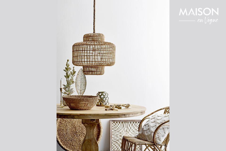 Une table en orme recyclé avec un design vintage