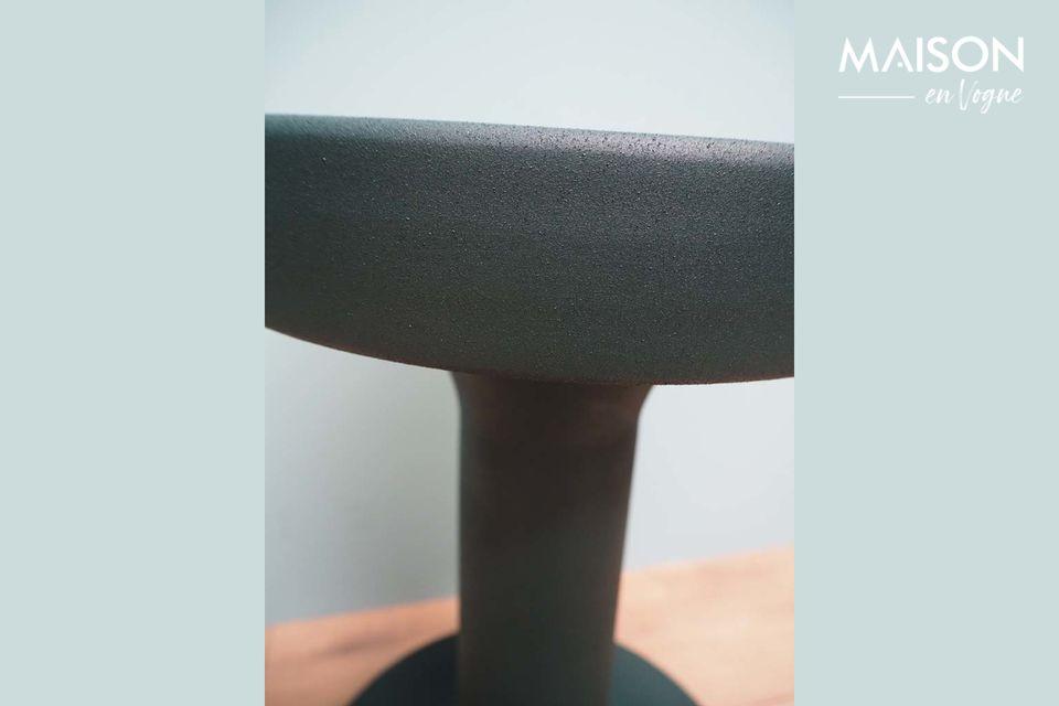 La table Forms est assurée de vous plaire avec son design contemporain et ses formes arrondies