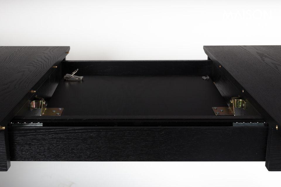 C\'est ce que propose Zuiver avec la table Glimps, en plaquage et frêne massif noir