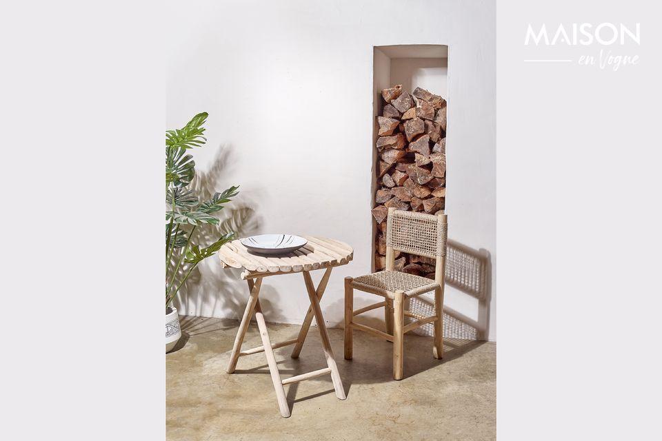 Table ronde en bois naturel