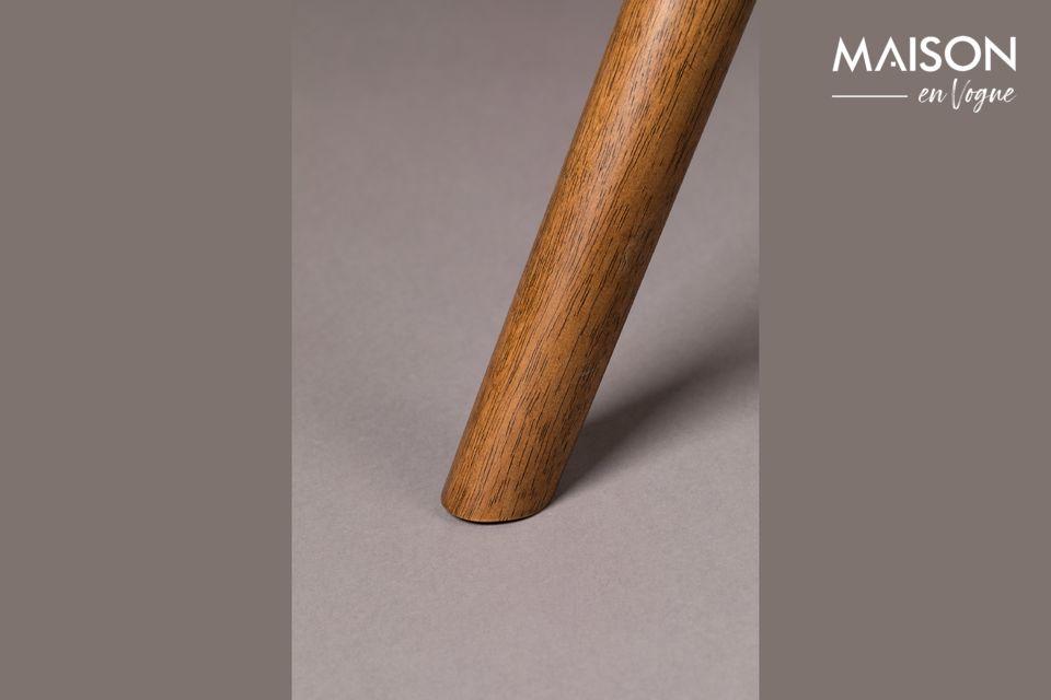 Son plateau mesure 90 cm sur 180 cm et la table a une hauteur de 74 cm