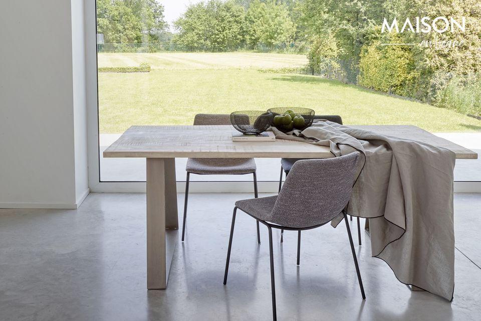 Optez pour une table moderne et naturelle toute à la fois