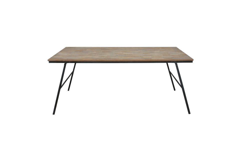 La table Market de Chehoma vous propose de tester le style chic et rustique avec une table en teck