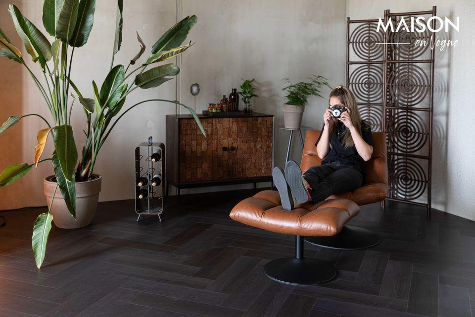 Ce tabouret Bar garnit de mousse et recouvert de cuir est un must pour votre coin bar à domicile