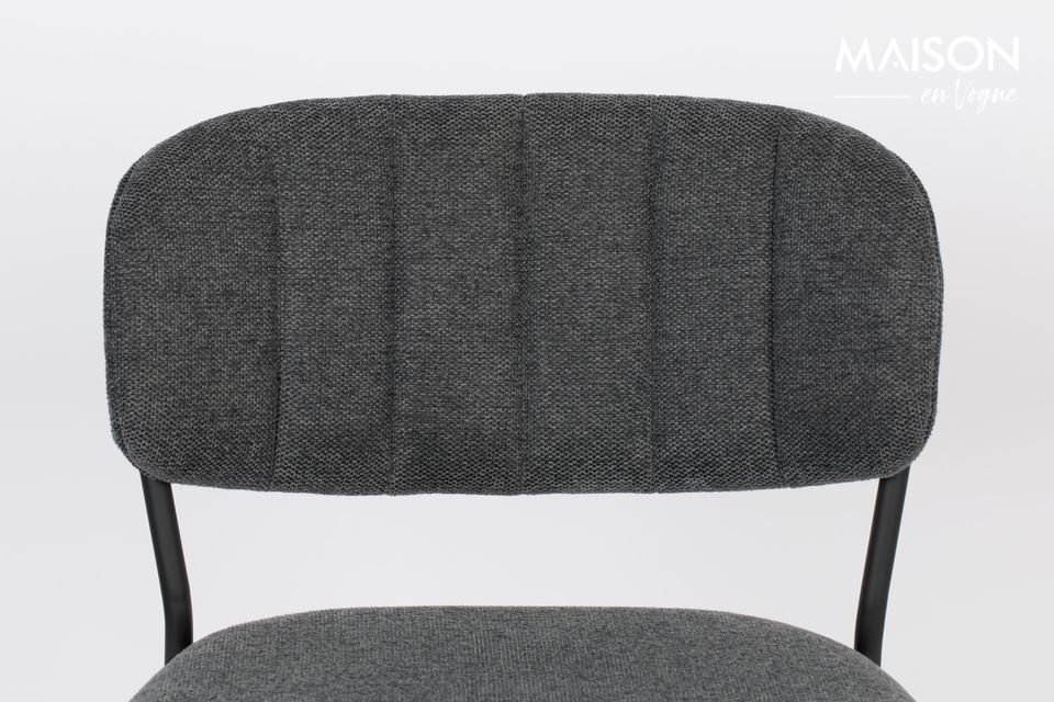 White Label Living le décline également en version chaise et fauteuil pour créer un salon tout