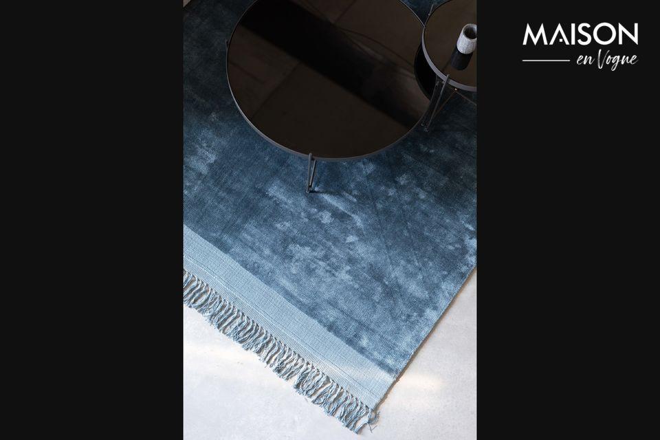 Ses fibres brillantes ressemblent en effet à de la soie
