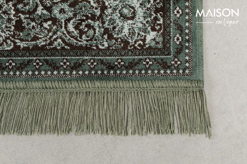 Ce tapis très authentique sera parfait dans un salon moderne ou plus traditionnel