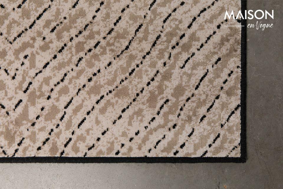 Conçu en viscose et polyester, ce tapis est résistant et adapté au chauffage au sol