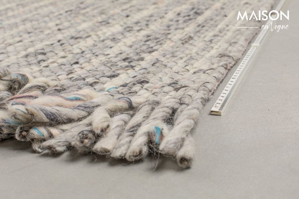Un tapis alliant design artisanal et allure authentique