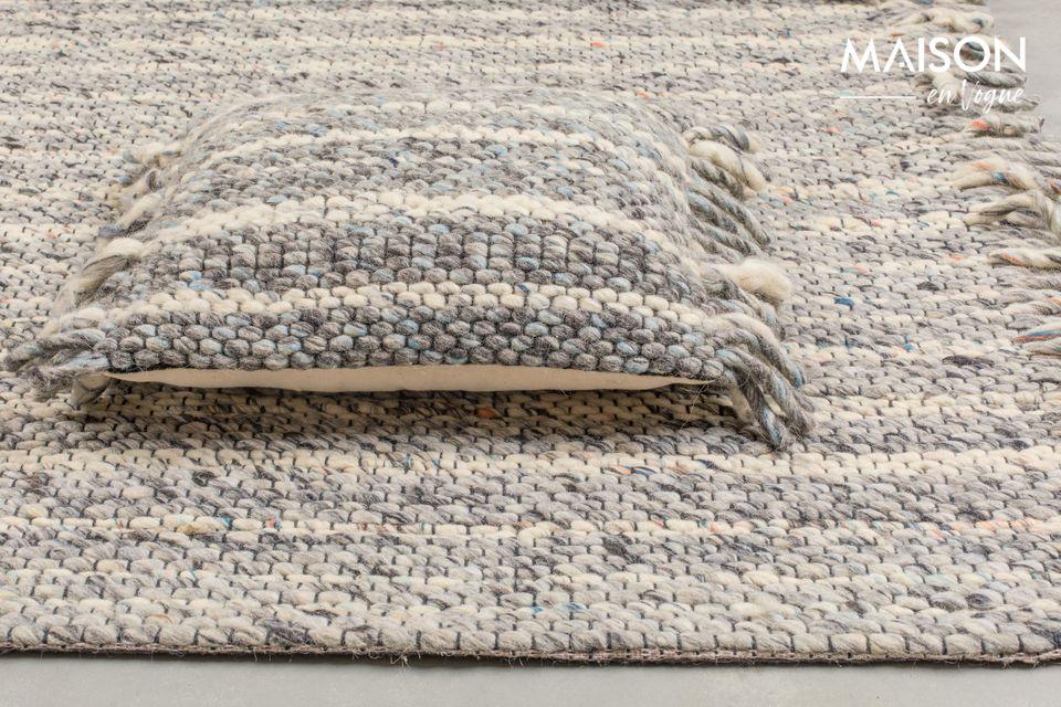 Conçu en laine, ce modèle vous procurera également un maximum de confort et de chaleur