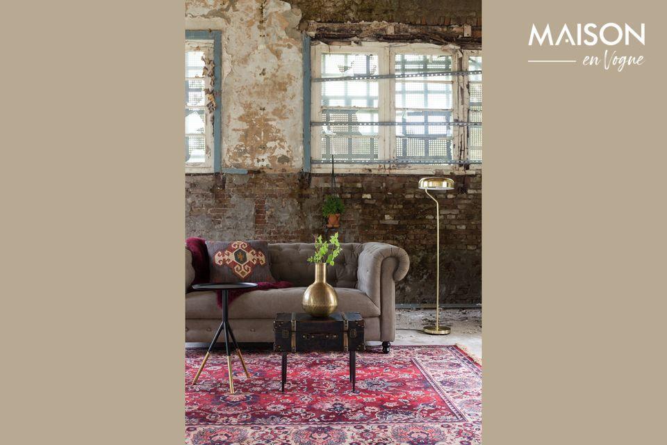 Joli tapis persan vieux rouge